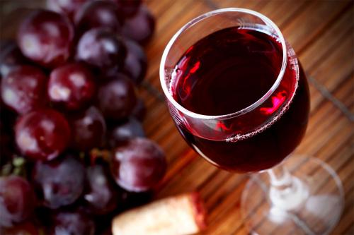10 причин пити більше червоного вина