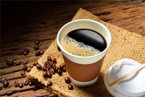 Візьміть з собою: цікаві рецепти ароматної кави для затишної прогулянки