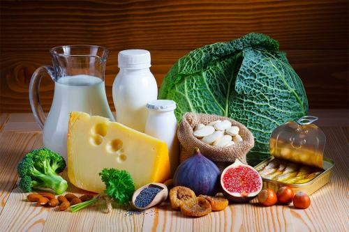 Топ-11 продуктів тваринного і рослинного походження багатих на кальцій