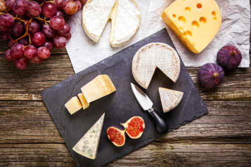 Як красиво і правильно сервірувати сирну тарілку